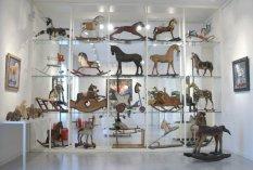 Museo Del Cavallo Giocattolo Di Grandate.Le Sculture Colorate Di Yukio Gohara Artevarese Com